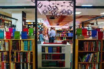 طرحهای فصلی فروش کتاب فرصتی برای دستیابی به تازههای نشر است